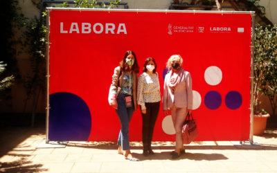 """La coordinadora del projecte """"Emple@'t al món Rural"""" visita el Fòrum connectat de Labora"""
