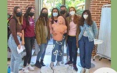 Alumnes de TAPSD de la EFA Torrealedua assisteixen a una xarrada de reanimació pulmonar